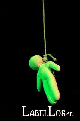 010_dark-spring-festival-2014_christine-plays-viola