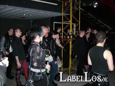 13_Ghost_Dance_06-03-2009