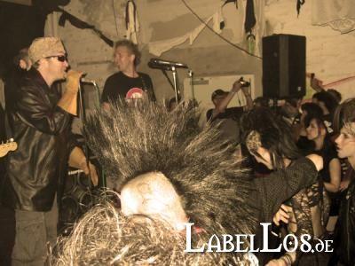 042_Gothic_Pogo_Festival_2010_Red_Zebra