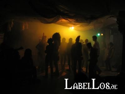 075_Apocalyptic_Factory_Festival_2010_Outtake