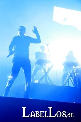 216_front242