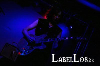 032_2012-04-09_the-chameleons-vox
