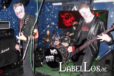 004_Graveyard-Rodeo_2012-04-15_Holy-Madness