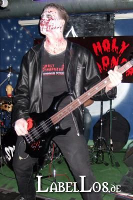 008_Graveyard-Rodeo_2012-04-15_Holy-Madness