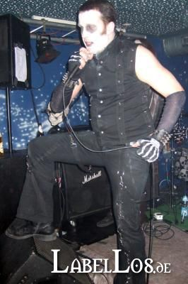 046_Graveyard-Rodeo_2012-04-15_Dead-United