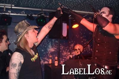 060_Graveyard-Rodeo_2012-04-15_Dead-United