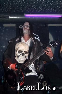 061_Graveyard-Rodeo_2012-04-15_Dead-United