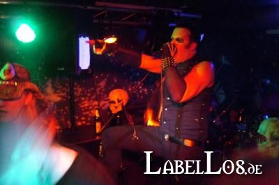 072_Graveyard-Rodeo_2012-04-15_Dead-United